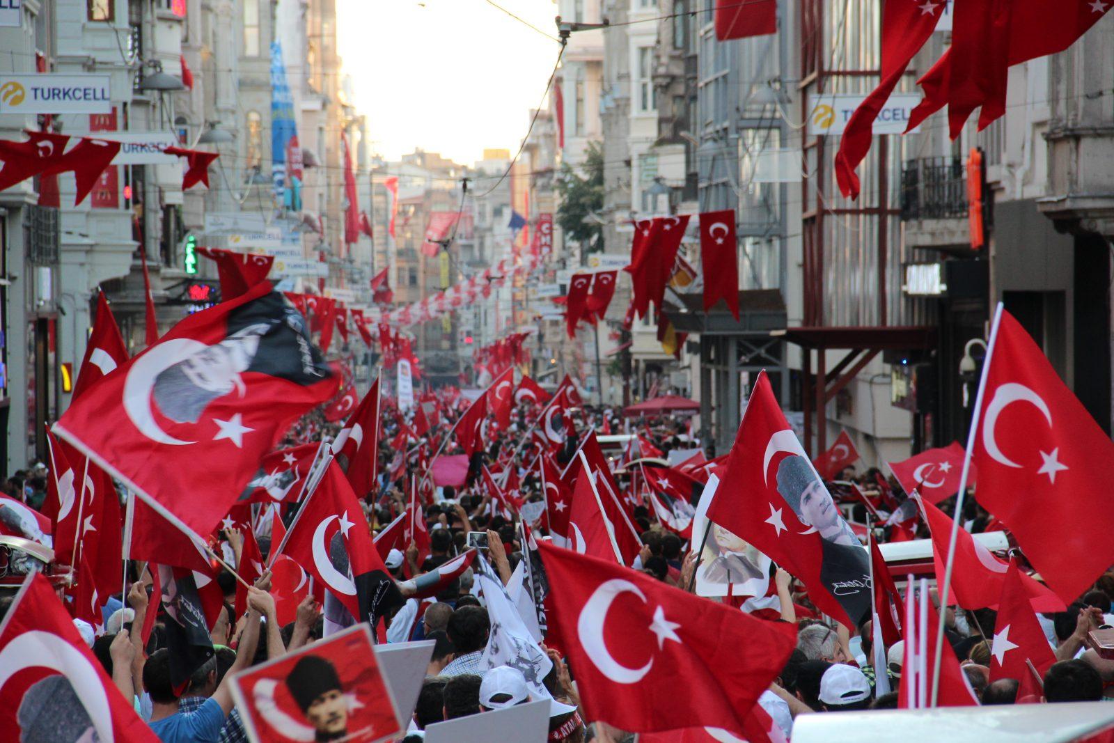 Türkiye hukuk devleti olmaktan uzaklaşıyor mu?